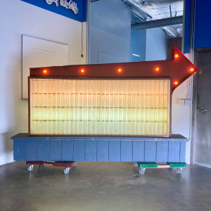 readerboard reader board marquee vintage 50s lightbox light box arrow bulb bulbs lights
